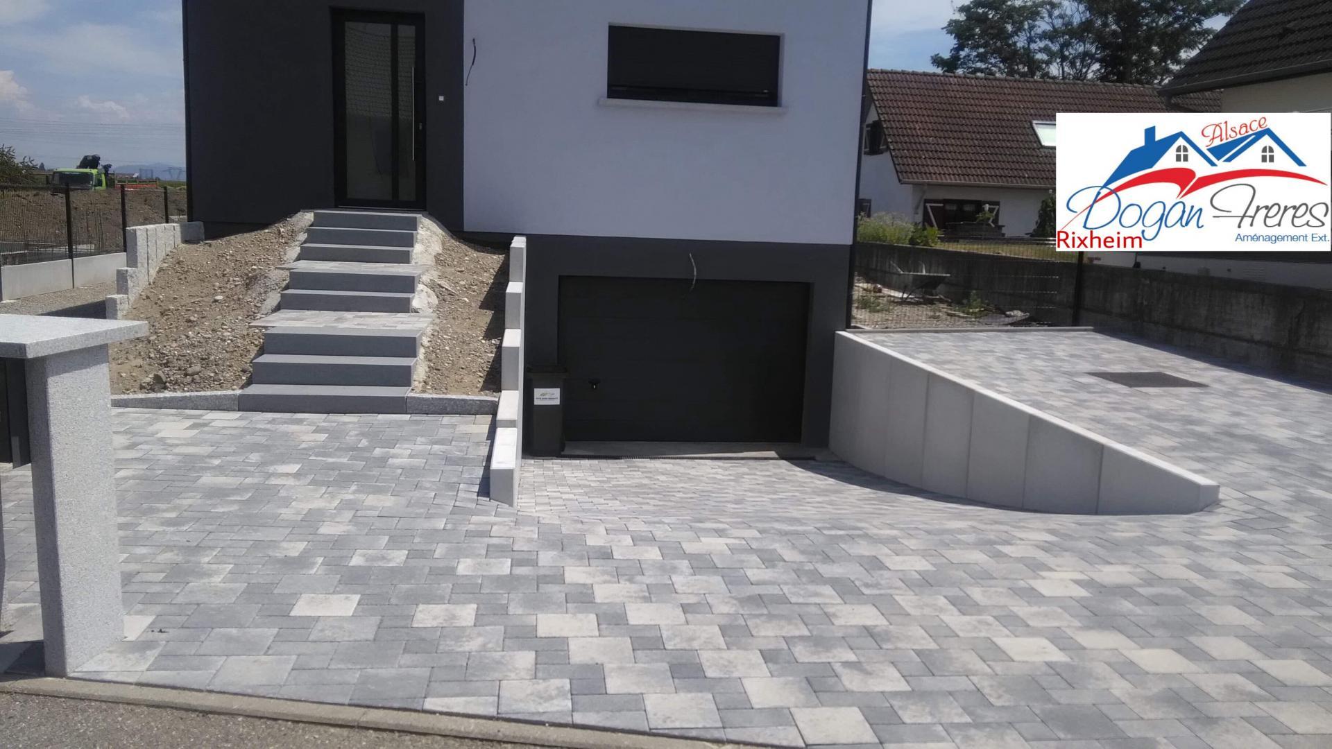 Aménagement Entrée Maison Extérieur maçons spécialistes en aménagement extérieur